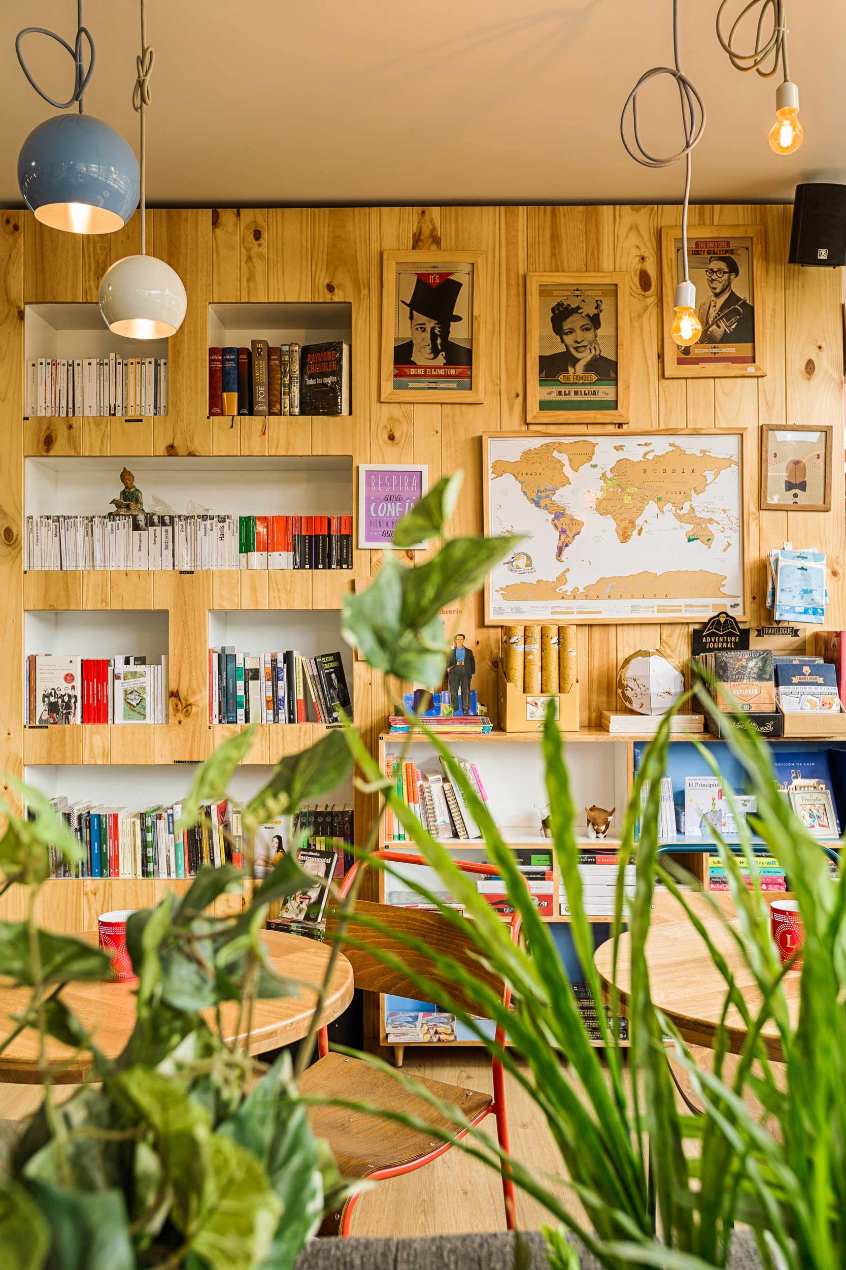 9 34 Bookstore Cafe 4