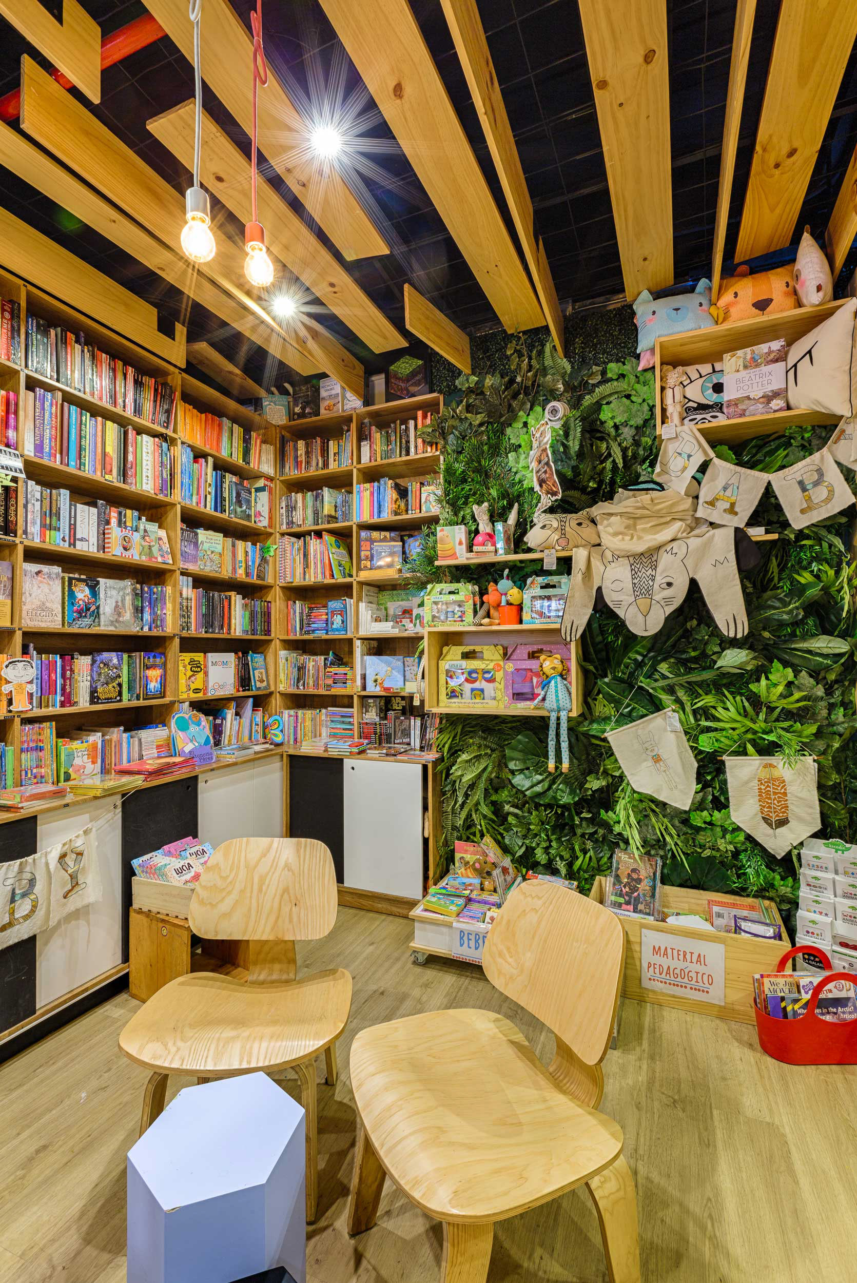9 34 Bookstore Cafe 8