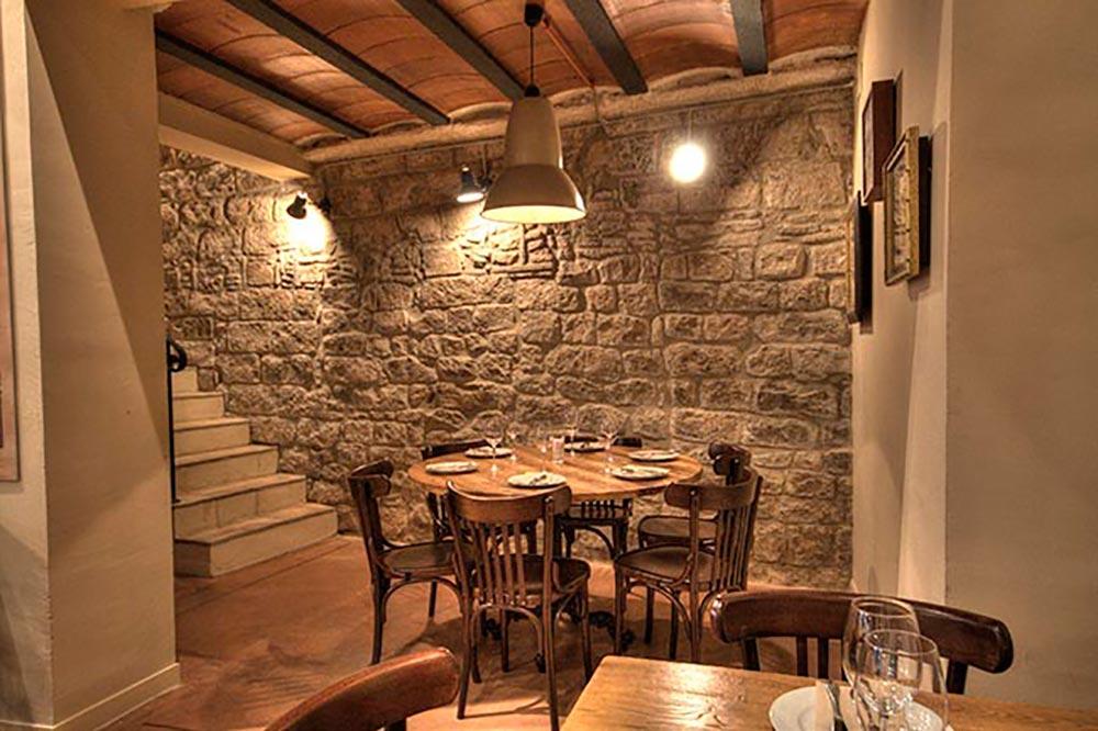Diseño-y-decoracion-restaurante-Bodega-La-Puntual-DETALLE-MESA-002