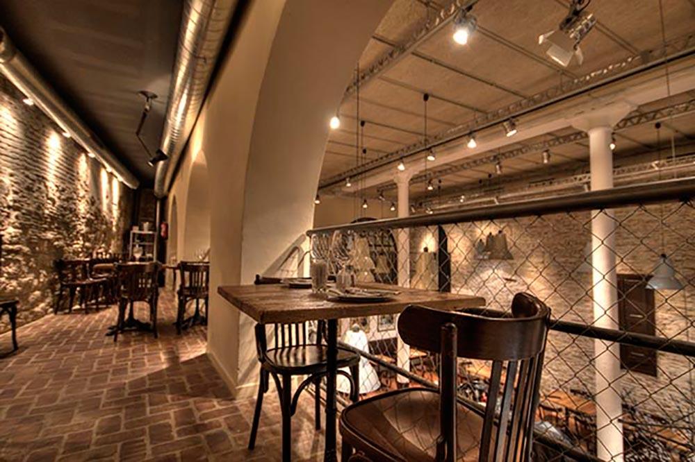 Diseño-y-decoracion-restaurante-Bodega-La-Puntual-SALON-SUPERIOR-004
